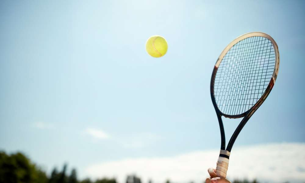 How to Buy the Best Tennis Racket for You