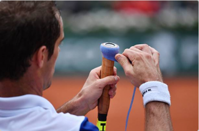The Best Way to Regrip a Tennis Racquet